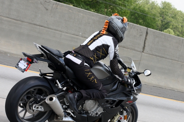 Miss Busa is rockin' the rocket on I-285 outer perimeter, top side.